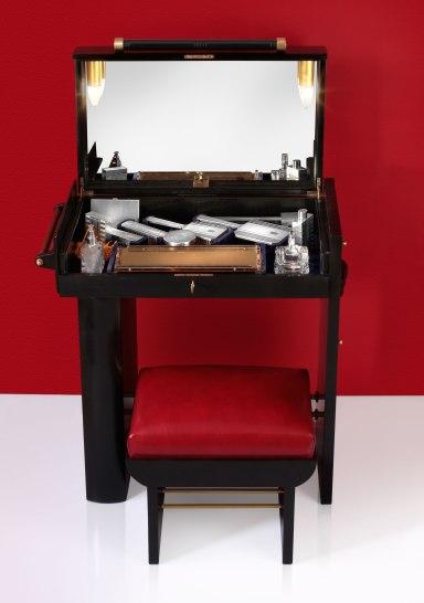 lady's vanity case