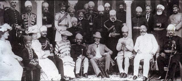 The Viceroy Lord Curzon with the Nizam of Hyderabad in Aina Khana, 1905