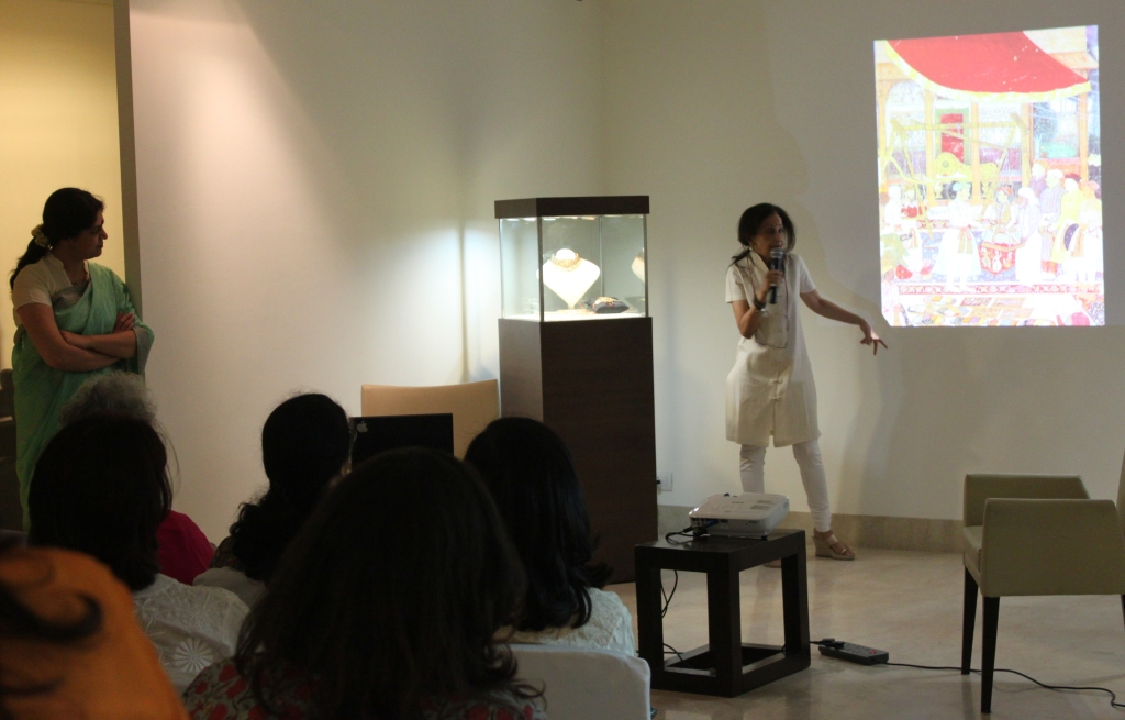 Meera Kumar speaking on traditional Indian jewelry at Saffronart, Delhi