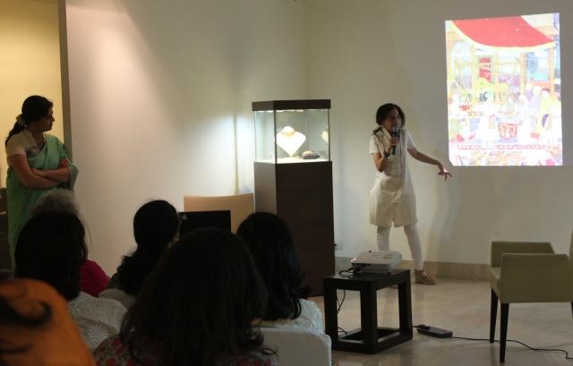 Meera Kumar speaking on traditional Indian jewelry at Saffronart, Delhi