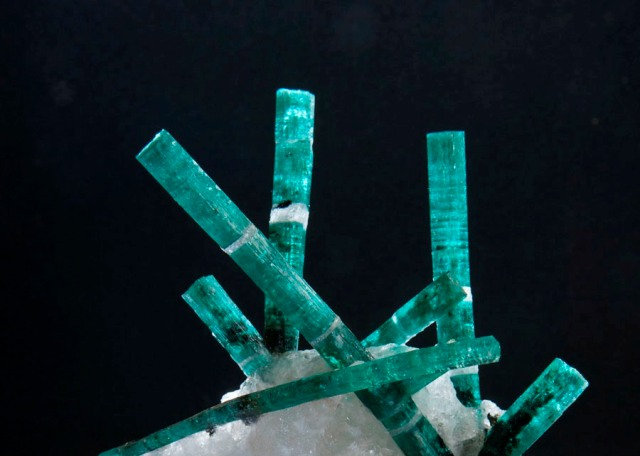 Gemfields' 'Medusa' emerald from the quartz rock|Discovered in Zambia in 2008