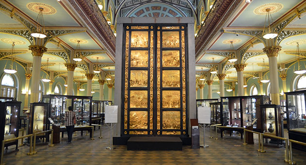 Ghiberti, Lorenzo (1378-1455). Gates of Paradise. 1425-52, lost wax bronze replica from original mould with gilded patina. Guild of the Dome Association/ Museum of the Opera del Duomo, Florence, 2014. Credits: Dr. Bhau Daji Lad Museum website