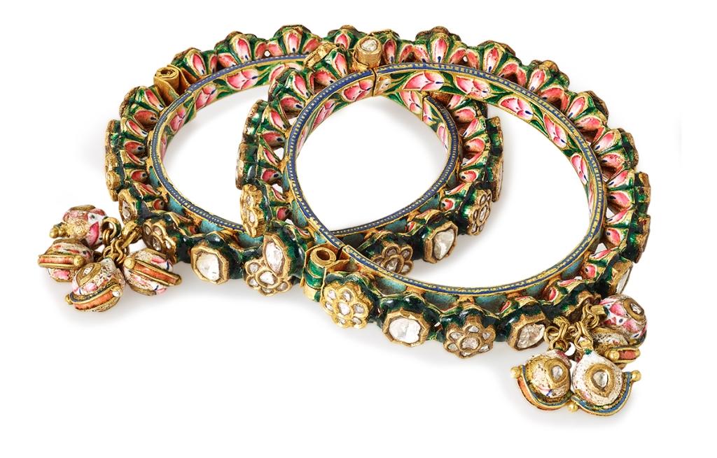 Lot 20: A Pair of 'Polki' Diamond and Enamelled Pacheli Bangles